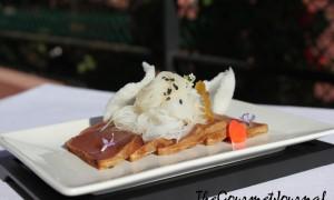 Tataki de Atún, Fideos de Arroz y Chips de Gambas