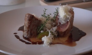 Video–Receta: Solomillo de Cerdo Ibérico con Ciruelas y Queso Manchego