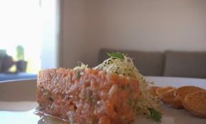 Tartar de Salmón y Verduras