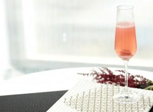 Cómo preparar un cóctel Kir Royale