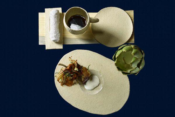 Leche de oveja, pistilos de alcachofa, cordero lechal y humo de pino, David André