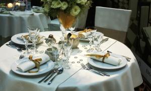 3 claves para diferenciarte con la vajilla en el buffet de hotel