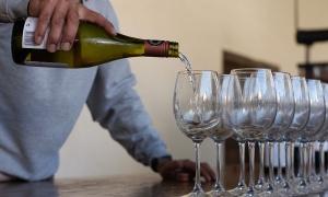 La historia que originó la botella de vino antifraudes