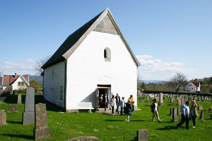 Iglesia de Moster